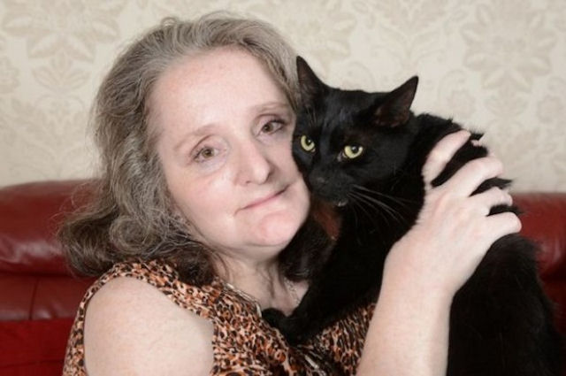 Кот спас хозяйке жизнь