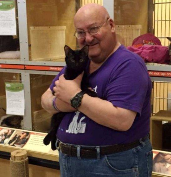 Кот спас жизнь своему хозяину