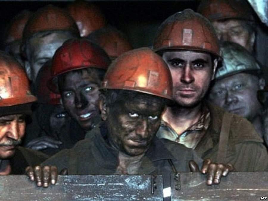11 горняков шахты им. Стаханова согласились подняться на поверхность после обещаний зарплаты в понедельник