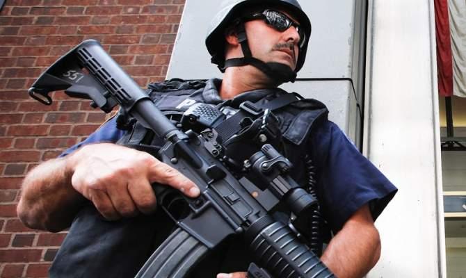 В США во время акции протеста застрелили троих полицейских