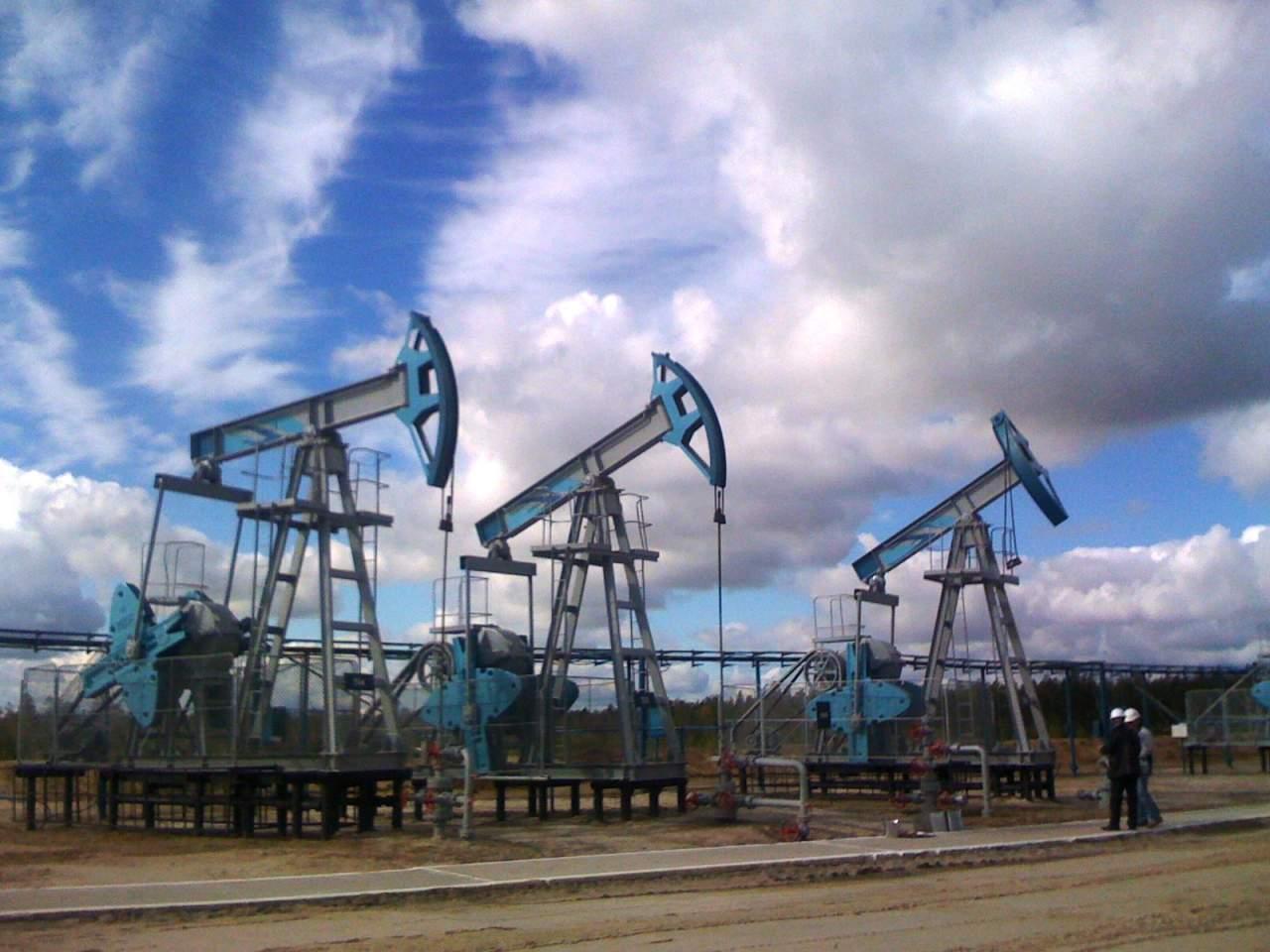 Нефть продолжает свой рост по запасам в США