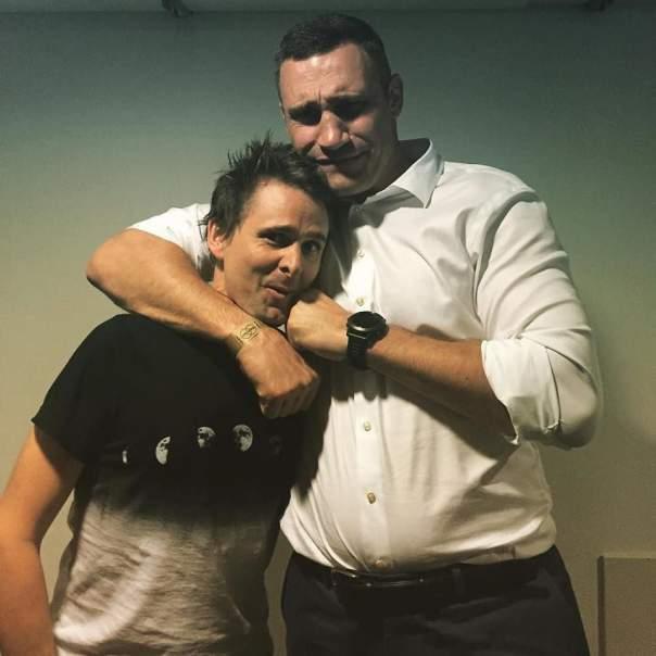 Солист Muse опубликовал забавное фото с Кличко