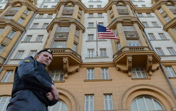 Россия выдворила двоих дипломатов США в ответ на аналогичные действия Вашингтона