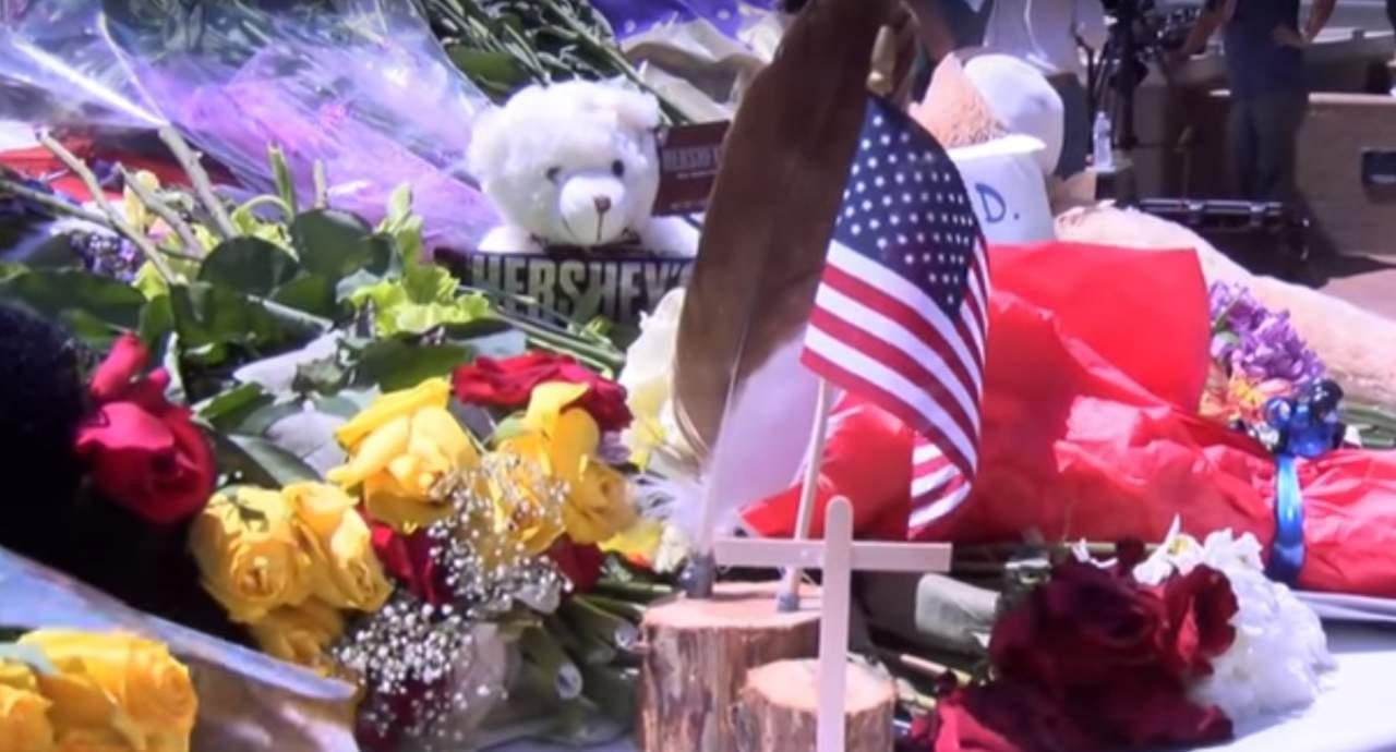 В Далласе почтили память убитых полицейских