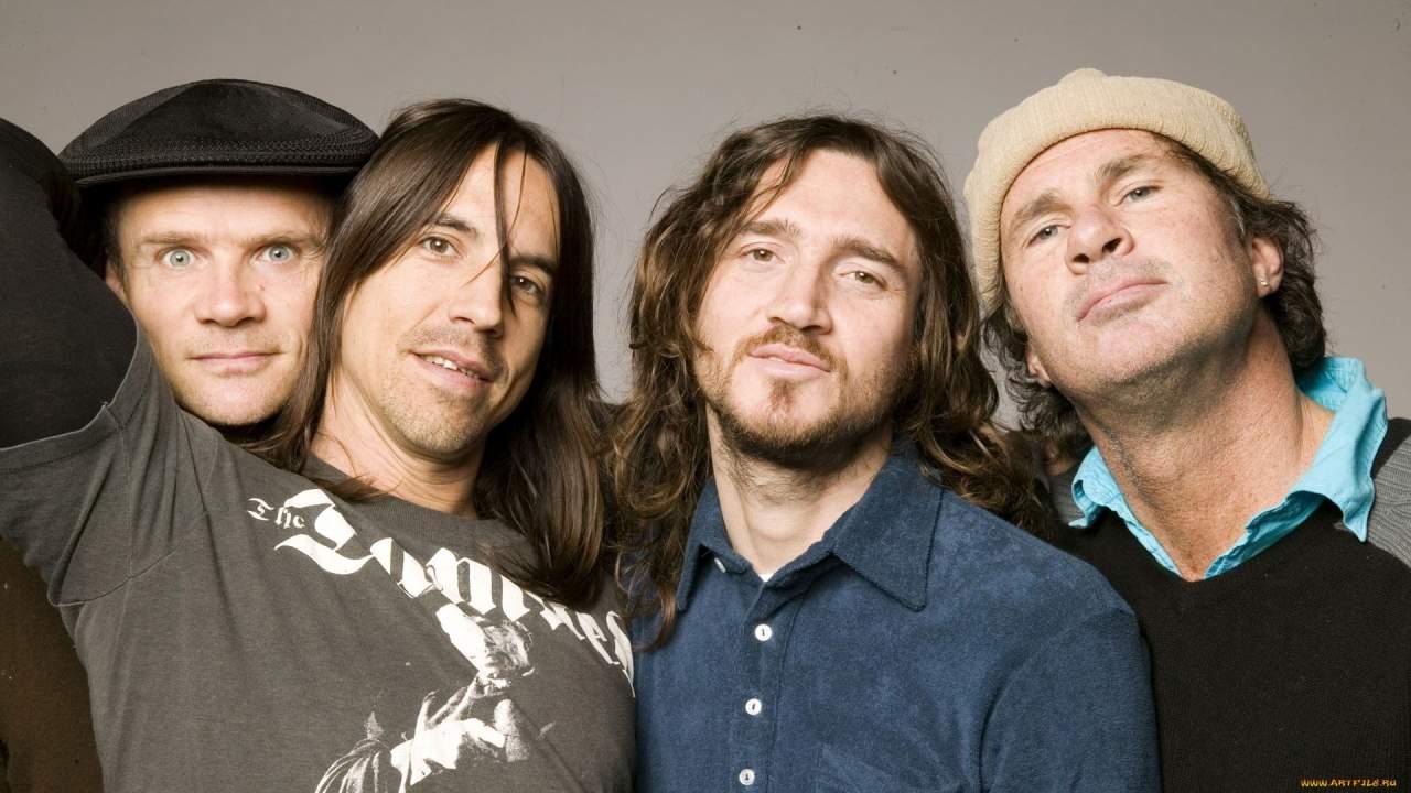 Любимым блюдом американской рок-группы Red Hot Chili Peppers является борщ