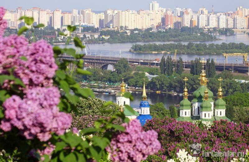 Теплая погода будет держаться на всей территории Украины