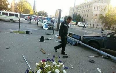 Появились фото с места ДТП в Харькове
