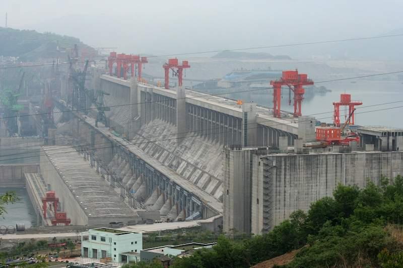 В Китае прорвало дамбу