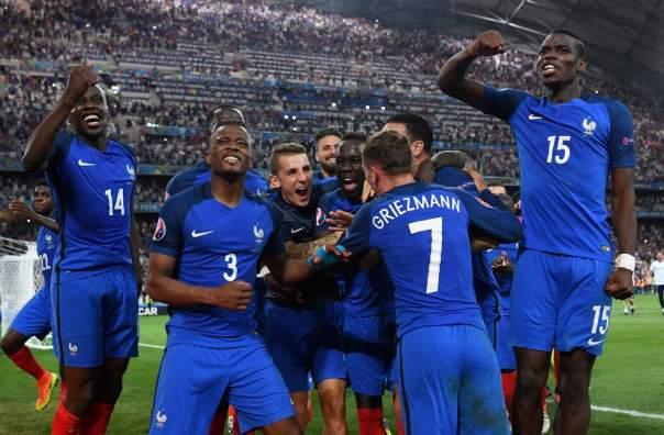 Франция не будет проводить чемпионский парад