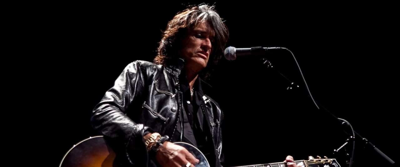 На концерте в Нью-Йорке был госпитализирован гитарист группы Aerosmith
