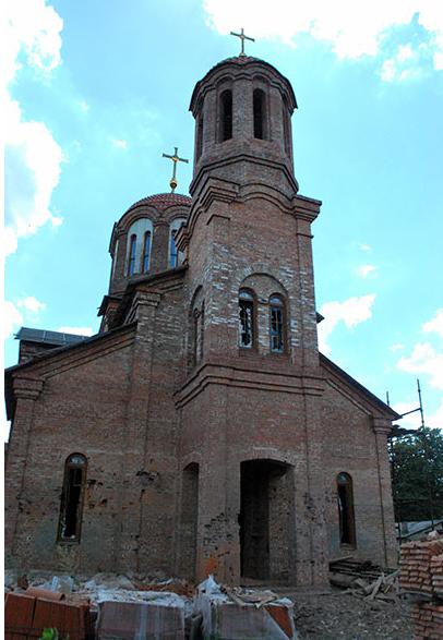 В результате сильных обстрелов в Горловке пострадал храм
