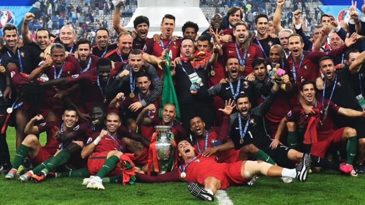 Сборную Португалии на родине наградят орденами