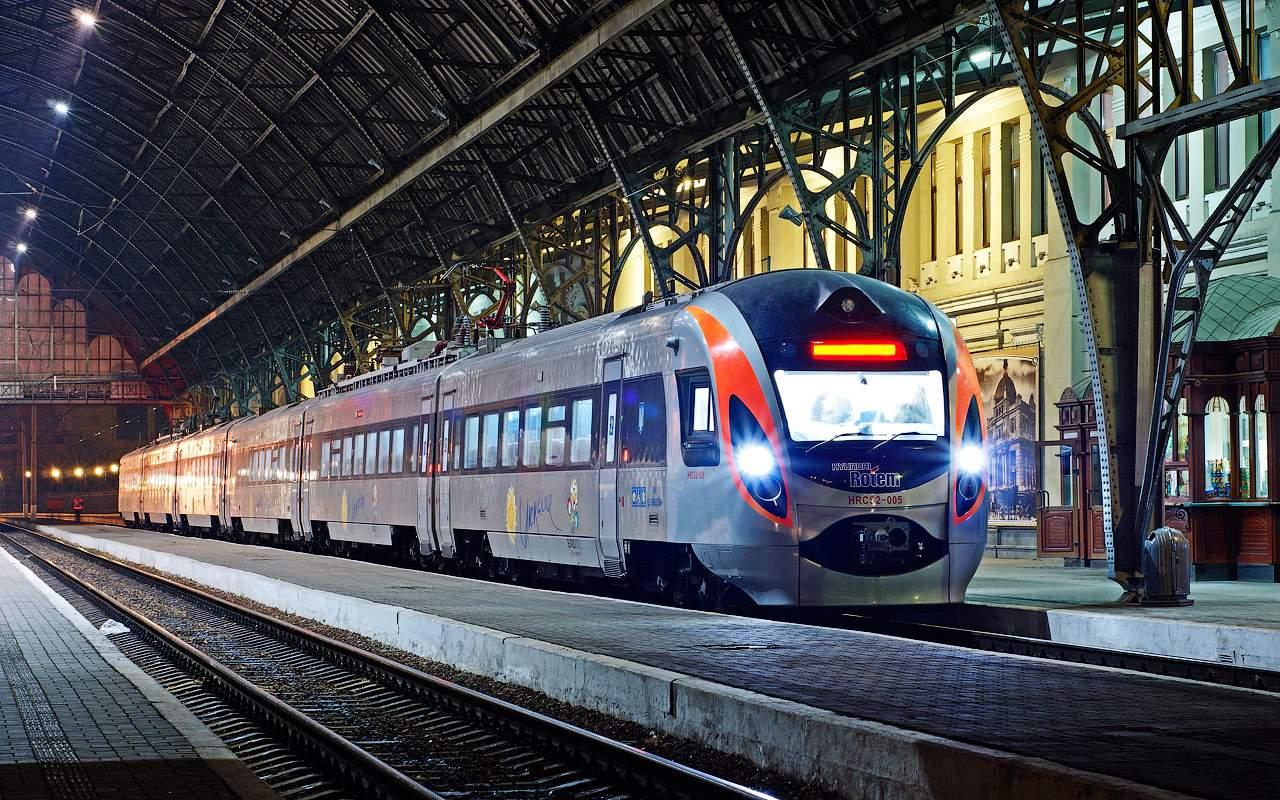 На ходу задымился скоростной поезд Киев - Одесса