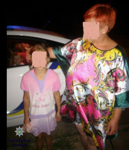 Патрульные Житомира вернули родственникам девочку, которая сбежала от своих родителей из-за насилия над ней