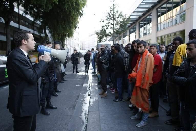 Из-за наплыва мигрантов в ЕС, европейцы переживают за свои рабочие места