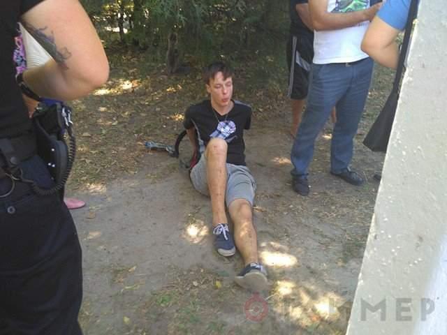 В Одессе задержали двоих парней, которые пытались обокрасть ребенка