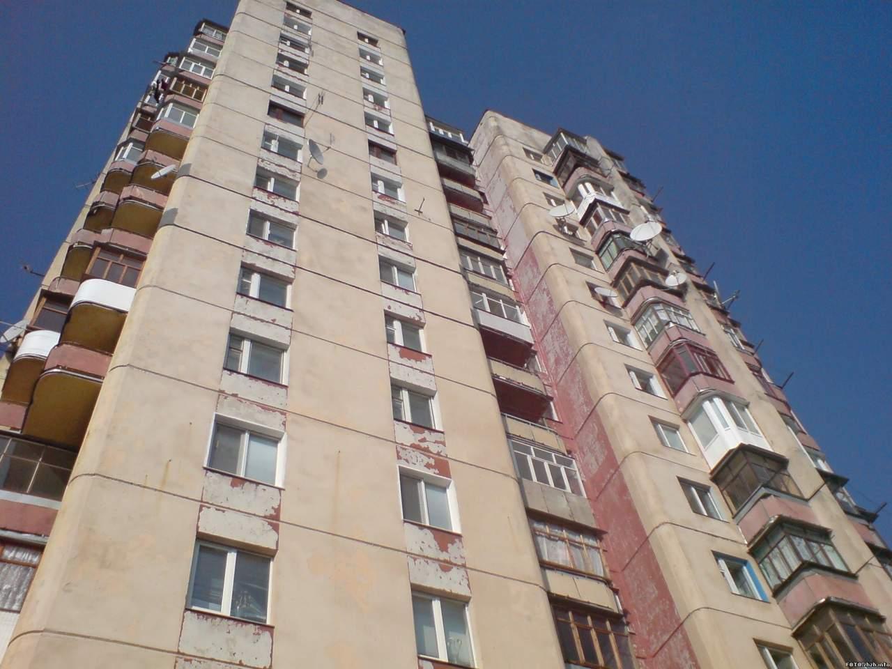 Парень выжил после падения с двенадцатого этажа