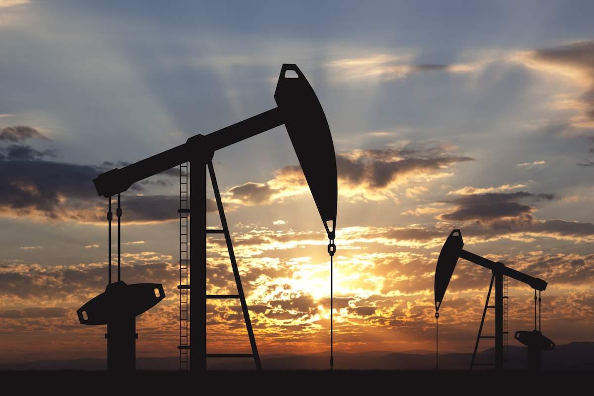 Нефть перешла к снижению после выхода данных об увеличении запасов топлива на рынке США