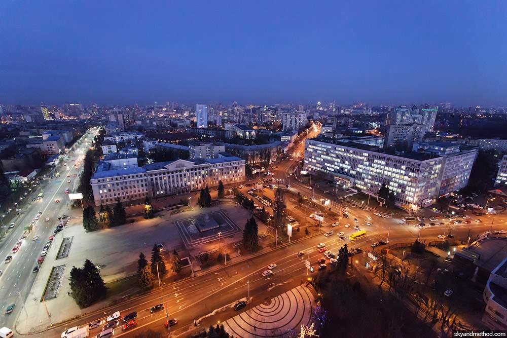 В столице на Соломенской ограничат движение транспорта