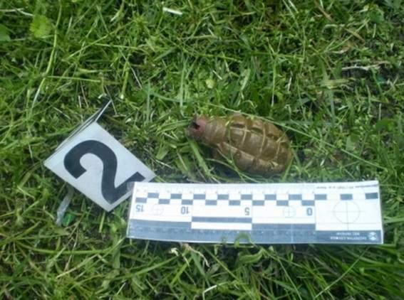 На территории теннисного корта в Печерском районе Киева нашли гранату