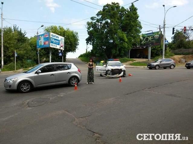 В Киеве произошло ДТП с участием патрульных