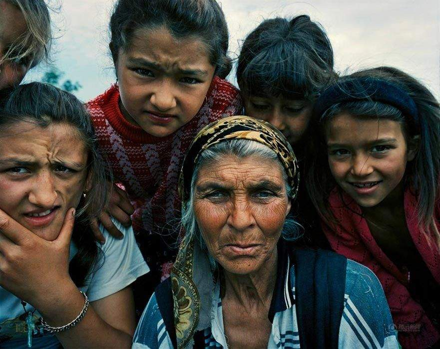 На Херсонщине незаконно удерживали 15 цыган для сельских работ