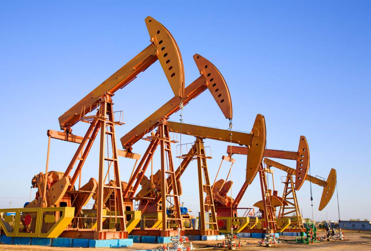 Цены на нефть эталонных марок повышаются