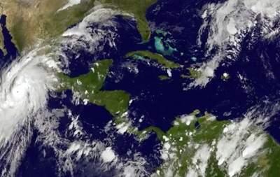 Мексику ожидает второй мощный ураган за сезон