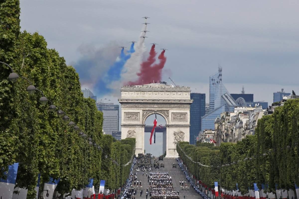 Во Франции прошел парад по случаю Дня взятия Бастилии