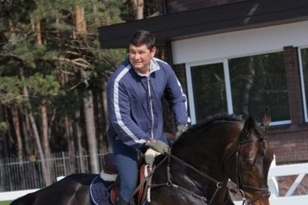 Одиозный Онищенко продал своих скакунов