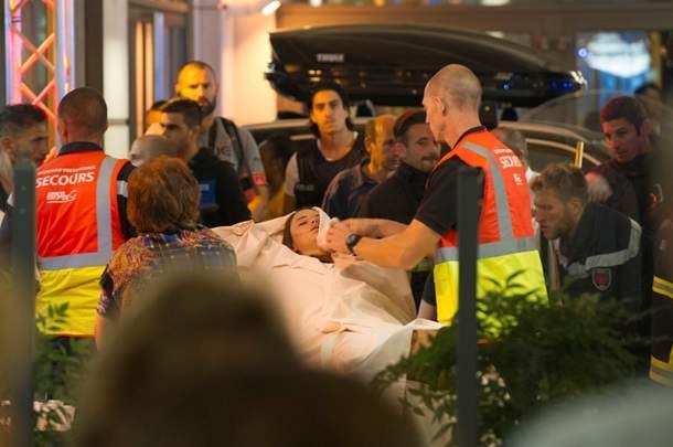 В Ницце грузовик въехал в толпу людей на набережной. Погибли 80 человек