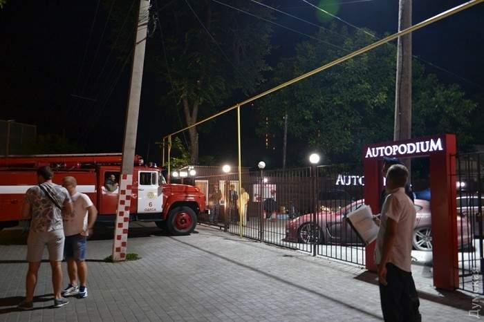 В одесском автосалоне  «Autopodium» ночью произошла серия взрывов