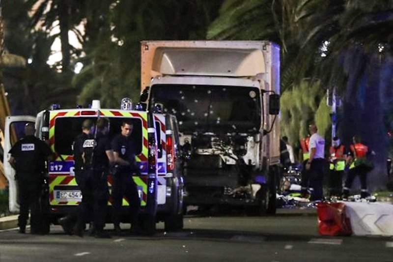 Названо имя водителя, устроившего теракт в Ницце