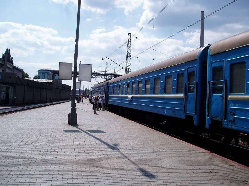 В Донецкой области изрядно выпивший пенсионер погиб под колесами поезда
