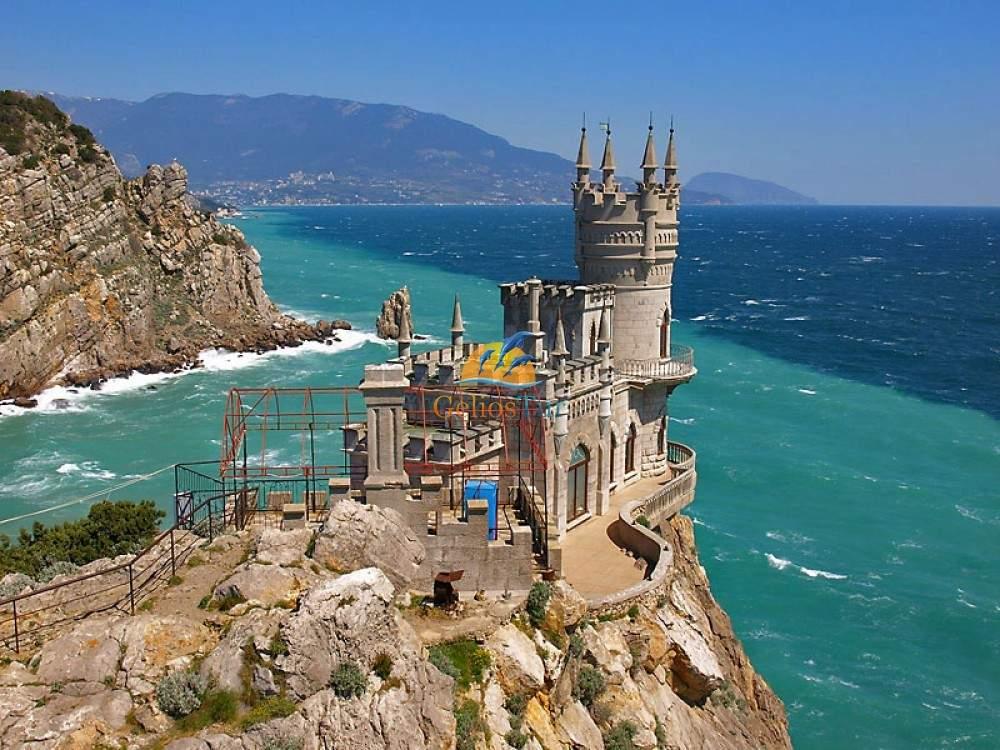 Власти Украины планируют ввести запрет на посещение Крыма украинскими туристами