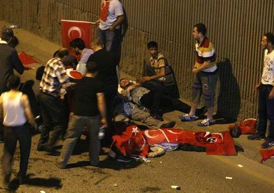 В результате попытки военного переворота, в Анкаре погибли 42 человека