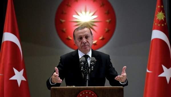 В Турции сбили атаковавший Анкару вертолет участников переворота