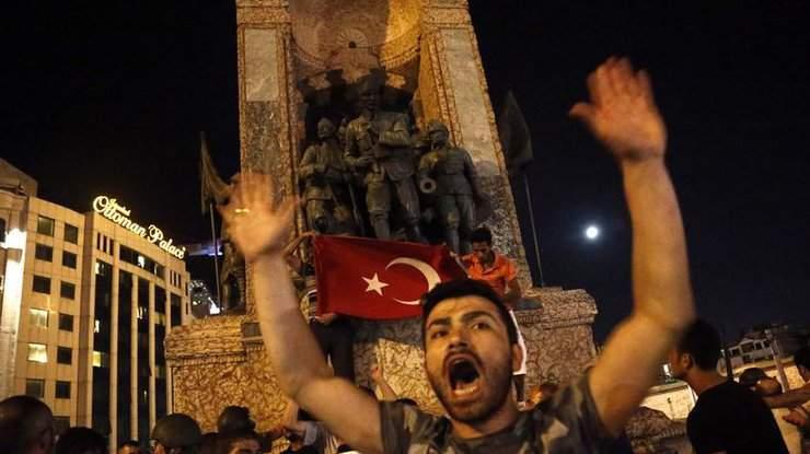 Неудавшийся переворот в Турции забрал жизни 194 человек