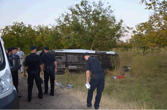 На Николаевщине пьяный водитель грузовика выехал на встречную полосу и врезался в маршрутку