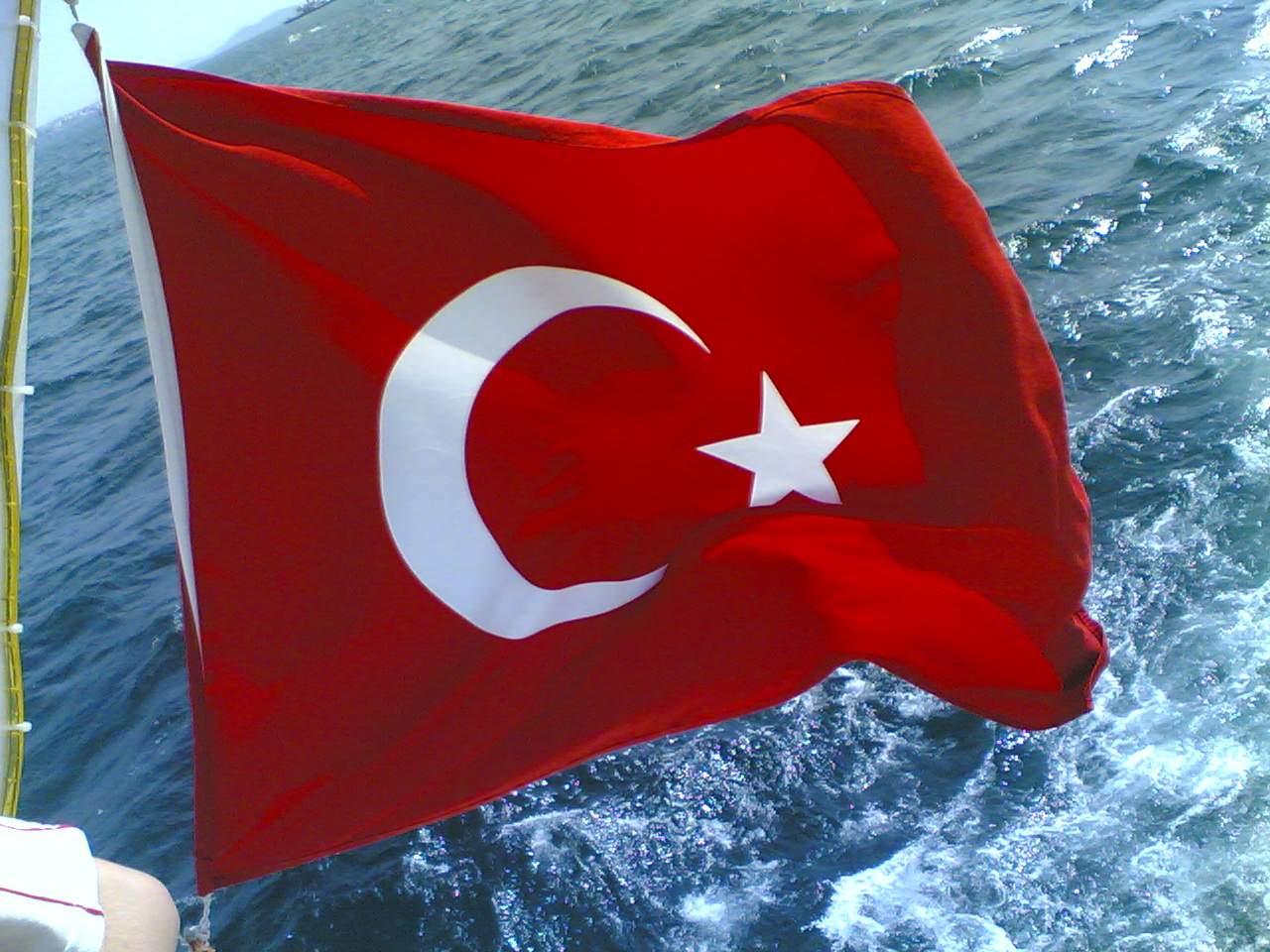 Участники путча в Турции захватили фрегат и взяли в заложники командующего ВМС