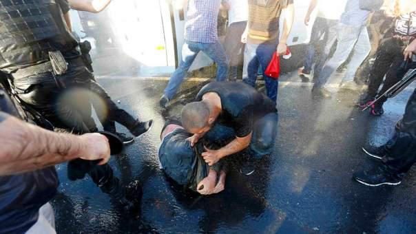 В Стамбуле обезглавили одного из мятежников