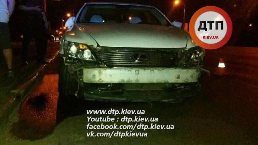 В Киеве водитель протаранил 6 автомобилей и скрылся