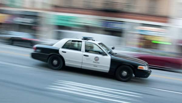 В США подозреваемый бежал на полицейской машине