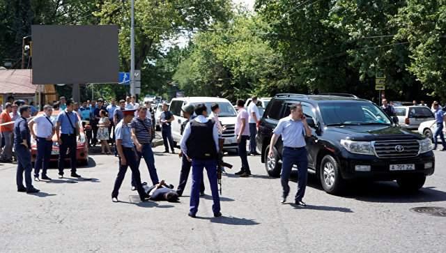 Видеорегистратор в Алма-Ате зафиксировал предполагаемого террориста