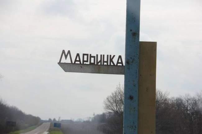 НА КПВВ Марьинка очередь из авто около 2 км