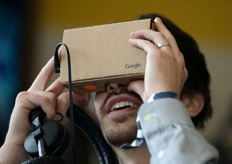 Компания Google занимается разработкой шлема, совмещающего дополненную и виртуальную реальности