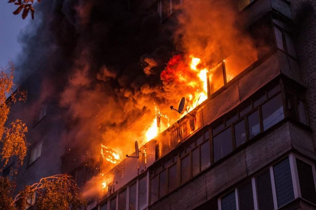 Видео с места пожара в Полтаве