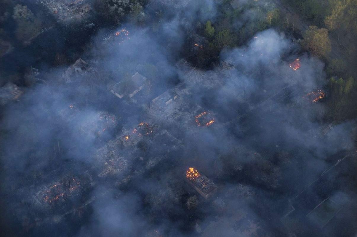 Ученые РФ убеждены, что пожары в зоне Чернобыльской АЭС опасны и для России