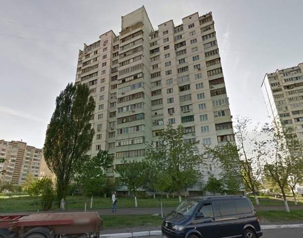 В Киеве мужчина выбросился с 13-го этажа