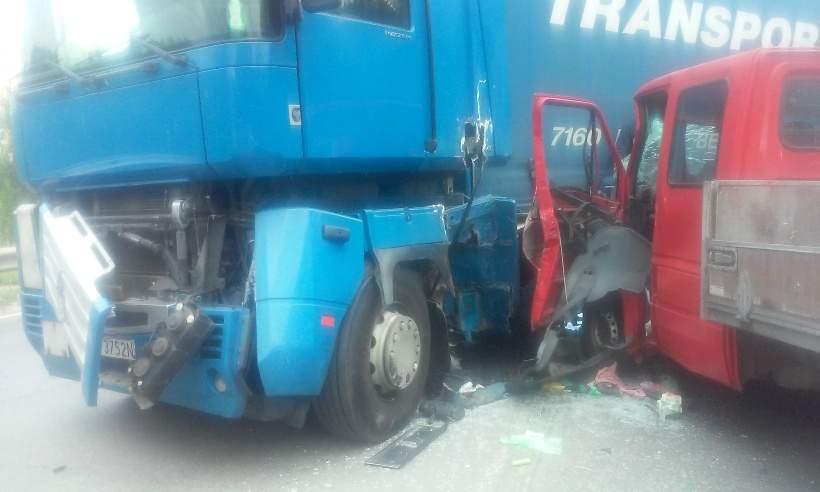 В Киевской области столкнулись два грузовика